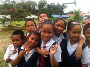 Elisabet jobbar som mentor i ett nationellt projekt vars syfte är att förbättra lärarnas kunskaper i engelska men även klassrumsmetodiken och undervisningsmateria. Här ser vi några av barnen i hennes klass.