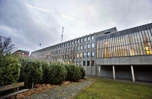 Polishuset i Västerås där häktet finns på delar av tredje och fjärde våningen.