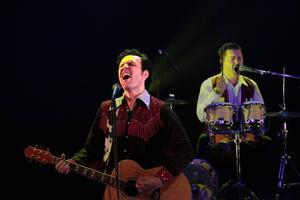 Utspelet starkt från både Elvis och nye Lars Angeles (t h) som gör ett mycket lyckat inhopp i trion.