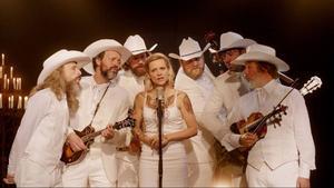Didier och Elise spelar tillsammans i ett ljuvligt bluegrass-band och livet ler mot dem. Men så blir deras dotter sjuk och förhållandet sätts under press i den mycket rörande