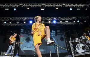 Här ser vi Tove Styrke på Popaganda festivalen i Stockholm. Foto: Maja Suslin / TT