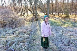 Anna-Christina Hunt i Engelska parken i Stjärnsund. En av många platser i Hedemora kommun som hon tycker är vackra.