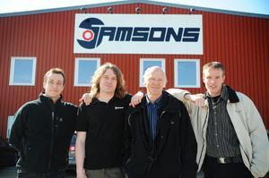 Markus Mörk, Daniel Eriksson, Sam Eriksson och Tomas Kolmodin har öppnat butiken i Vallsta.