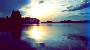 Solnedgången en kväll vid Alsensjön. Sofia Lundberg.