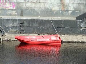 BÅT BORTA. Så här ser den ut, båten som räddningstjänsten i Gävle efterlyser.