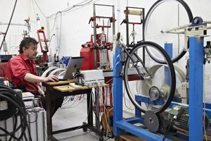 Testet är utfört på Svensk Maskinprovning i Alnarp. Laboratoriet har förutom punkteringsskyddet även tittat på andra kvalitetsaspekter på däcken som rullmotstånd och slitstyrka.