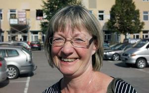Marie Norberg, 57, Falun– Svårt att svara på. Då tycker jag att andra som jobbar i butik också ska få tillstånd. Foto: Staffan Björklund