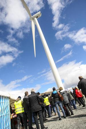Mycket folk ville vara med på invigningen av Ikeas vindkraftpark på Glötesvålen.