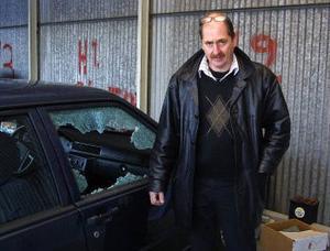Återigen har Stefan Påhlssons bilfirma i Ånge drabbats av inbrott och skadegörelse.