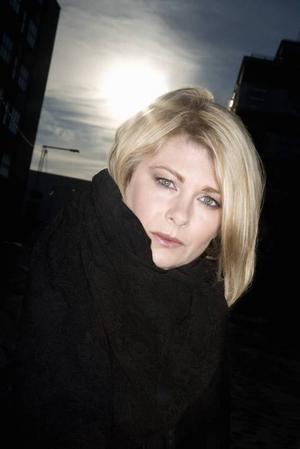 KNEPIG. Ulrika Kärnborg har skrivit en förbryllande roman om erotomani.