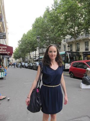 Parisbon Julie Pradier säger att dådet i Nice har lett till att hon känner att terrorism är något som fransmännen nu måste leva med i sina vardagsliv.   Foto: Louise Nordström/TT