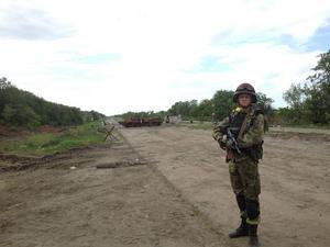 På sin Facebook lade Patrik Fridén tidigare upp bilder som han hävdar är tagna i Ukraina. Här ska han vara utanför staden Metalist i östra Ukraina.