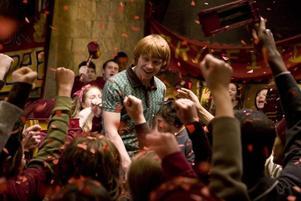Äntligen poppis. Ron Weasley (Rupert Grint) blir plötsligt en av de populäraste killarna på Hogwarts efter att ha gjort succé under en av skolans turneringar.