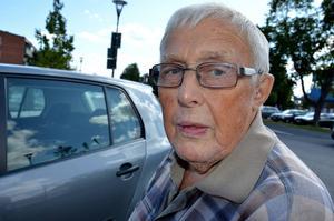 Stig Nordin, 87, pensionär, Timrå: – Kan du lova att det blir fler jobb åt ungdomarna, särskilt inom åldringsvården?