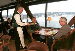 Matgäster. Trots finanskris och en vikande konjunktur har hotell- och restaurangbranschen klarat sig bra ekonomiskt. Arkivbild: Michael Brannäs/SCANPIX