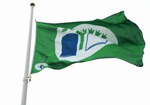 Skolor som är Grön flagg-certifierade får hissa fanan i flaggstången.