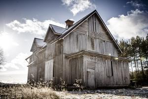 Huset Sörigården står som ett monument – som Svante Svensson en gång lämnade det.