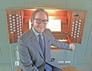 Daniel Larsson, organist i Gustafs kyrka, vill att bidra till att utveckla musiklivet i bygden.