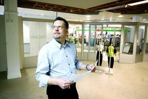 Det känns som skönt att det händer nåt i Söderhamn, säger Mats Edholm, norrbottning som tror stenhårt på Söderhamn. Han står i begrepp att omvandla Combi-varuhusets bottenplan till