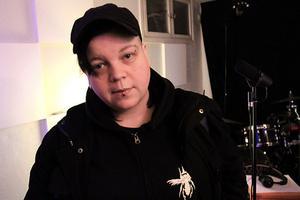 Mia Mästerbo var missnöjd med sin körinsats, men fick lov att sjunga om en annan dag.