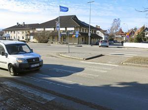 Köpingsvägen vid korsningen med Tomtebovägen