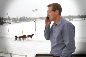 Östersundstravets vd Janne Quicklund tvingas liksom alla sina kollegor spara inför årets säsong. Men det blir även satsningar, utlovar han.