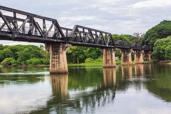 Den riktiga bron Kwai ligger i Thailand. Men filmen