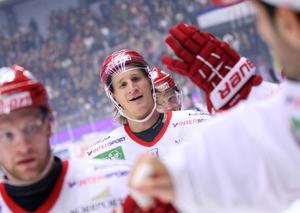 Jonathan Hedström som inledde sin ishockeykarriär i Skellefteå har spelat 83 NHL-matcher, 50 AHL-matcher, 480 elitseriematcher. Han har spelat tre VM-turneringar där det har blivit ett silver.