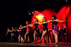 Bara ben, rök och ljusshow, när vi fick följa med 9B till Röda Kvarn, eller rättare sagt Moulin Rouge!