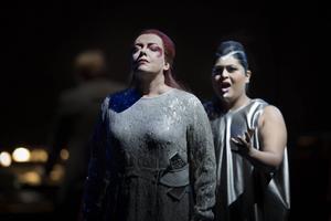 Nina Stemme (Turandot) och Meeta Raval (Liù) utgör de röstliga topparna i en stark uppsättning av Turandot i Dalhalla.