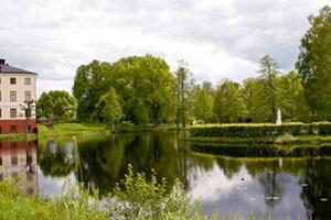 """TÄVLAR. Den Engelska parken vid Forsmarks bruk tävlar om titeln """"Sveriges vackraste park 2009""""."""