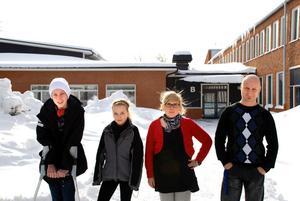 Joakim Ahlén, Melanie Nilsson från 7B samt skyddsombuden Anna Jonsson och Tobias Nordholm.