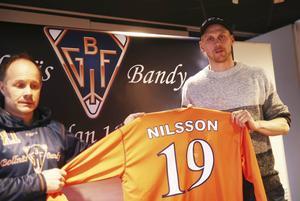 Patrik Nilsson behåller sitt gamla nummer i sin nya klubb.