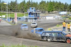 Rekord. 185 startade i årets upplaga av Majfestivlen i folkrace på motorstadion i Hallsberg. Antalet startande är rekord.