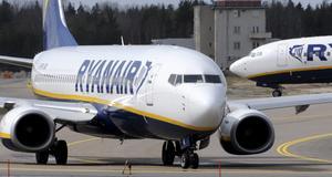 Ryanair är åter i hetluften för att ha behandlat en passagerare illa.