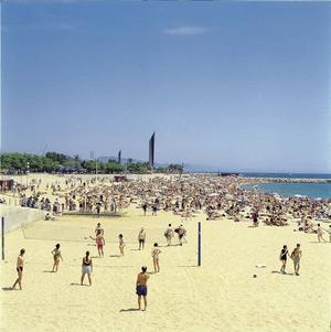 Det som gör Barcelona så unik är sandstranden mitt i stan.