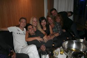Extremes-festen på Pluto. Håkan, Micke, Åsa, Ann, Lisa och George.