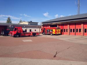 Bilen bärgades ur ån och transporterats till Leksands brandstation för att undersökas.