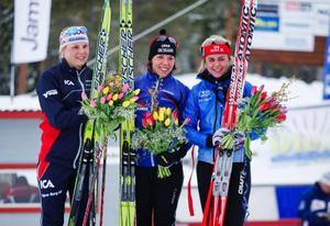 Anna Olsson, Åsarna, Charlotte Kalla, Tärnedö, och Anna Haag, Mora. En tämligen väntat palltrio på SM-tremilen.