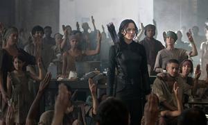 Jennifer Lawrence som revolutionshjälte i