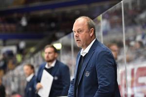 Per-Erik Johnsson, tränare Leksand, fick se sitt lag ta första SHL-poängen den här säsongen.
