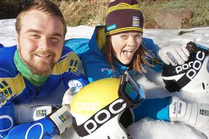 Snön är Erik och Britta Backlunds rätta element, och fort ska det gå.