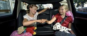 Att leka billekar kan göra sommarens bilresa enklare.