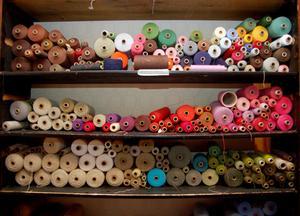 Föreningen gör gemensamma inköp av garner och annat material.