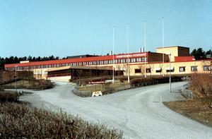 Pengaslukare. Bara Wenströmska skolan belastar Proaros med 15 miljoner kronor för lokaler som inte längre behövs, skriver debattörerna.