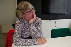 Ing-Marie Hedebrand var Johans lärare på Bosvedjeskolan. Hon var en av de första som fick veta att Johan var borta då Anna-Clara ringde till henne när 11-åringen inte kom hem från skolan fredagen den 7 november 1980. På skolan hade man hela dagen trott att Johan var hemma sjuk.