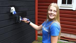 Lina Spåls håller på att bygga ett Tiny House, ett litet hus på hjul som hon planerar att bo i när hon ska börja studera i Nässjö till hösten.