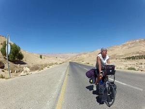Över 540 mil i sadeln har det blivit för Christopher Palm. Nu är han framme vid resmålet i Jordanien.