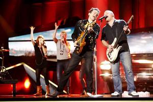 The Refreshments framför sitt bidrag Hallelujah under repetitionerna inför Melodifestivalens andra deltävling.