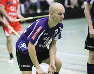 Tobias Östling, stabil back som satte två mål.
